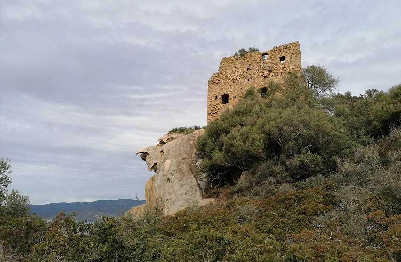 La randonnée du Fortin de Capigliolo à Tiuccia   Corse VTC