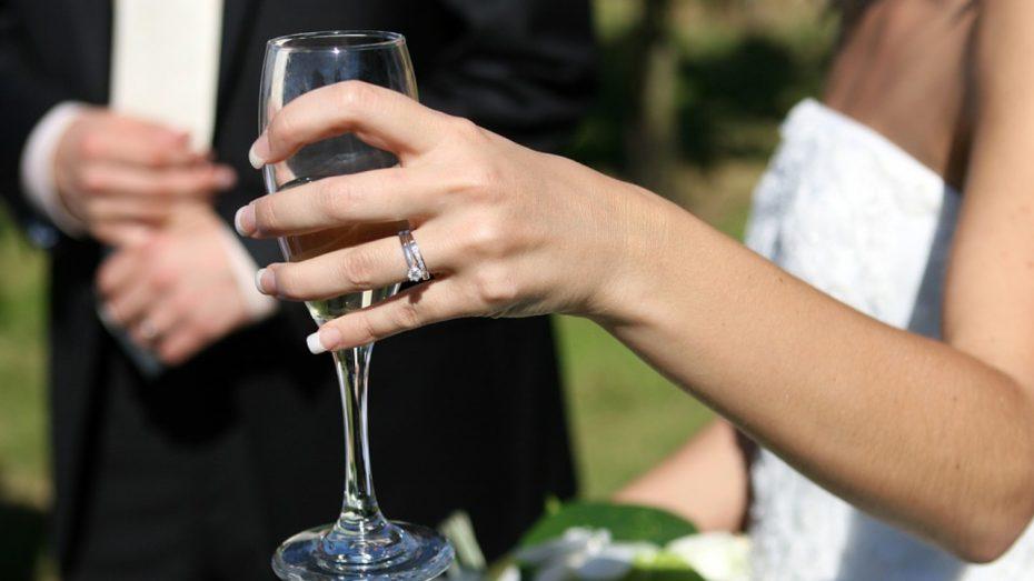 Mariage en Corse, location de voiture mariage en Corse, Mariage Corse, location minibus mariage, navette mariage, chauffeur mariage en Corse, VTC Mariage en Corse, Taxi Mariage en Corse, transport Mariage en Corse | Corse VTC